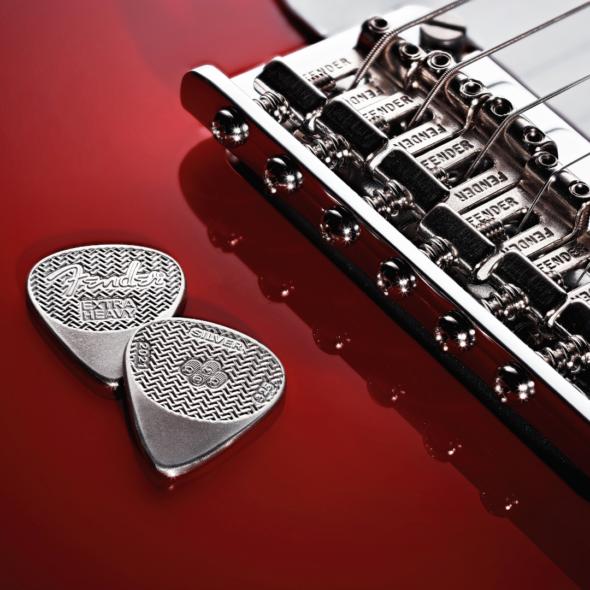 Púas de plata Fender