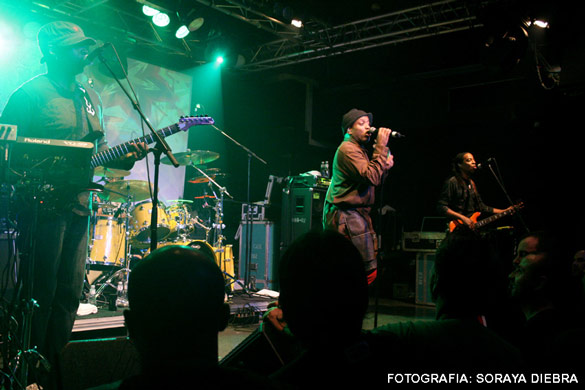 Dr. Experience+Living Colour en Barcelona